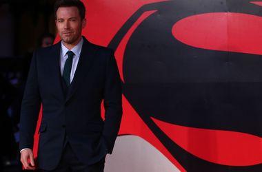 """Бен Аффлек чувствовал себя """"униженным"""" после провала """"Бэтмен против Супермена"""""""