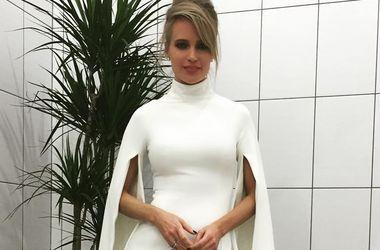 Платье глюкозы в новом клипе