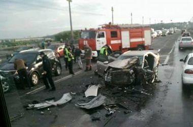 В Киеве на мосту Патона произошло масштабное ДТП