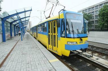 В киевский скоростной трамвай больше не пустят по обычным талонам