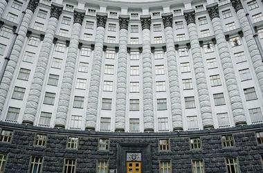 Новые законы от Кабмина: украинцев ждет помощь с жильем и снижение вывозных пошлин