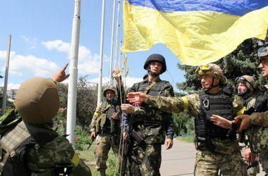Украинцы рассказали, как относятся к армии и военным