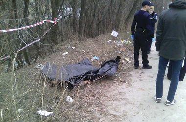 В Харькове нашли труп, сидящий на скамейке