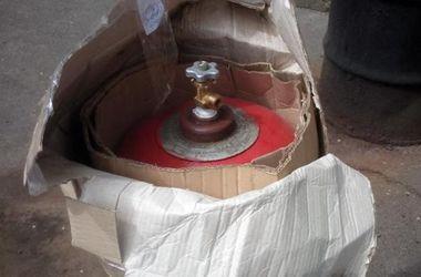 Опасная посылка: в Киеве на почте изъяли газовый баллон