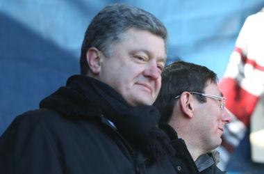"""""""Порошенко показал, что строит карточный домик"""" – нардепы о законе под генпрокурора Луценко"""