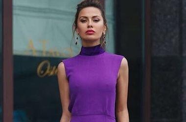 Телеведущая Виктория Боня в коротком комбинезоне появилась на красной дорожке в Каннах  (фото)