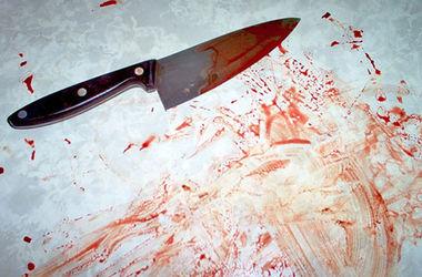 В Киеве пьяный мужчина ударил иностранца ножом в живот