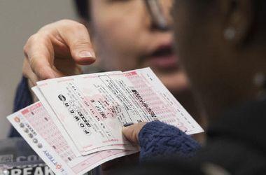 Американец во второй раз выиграл миллион долларов в лотерее (видео)