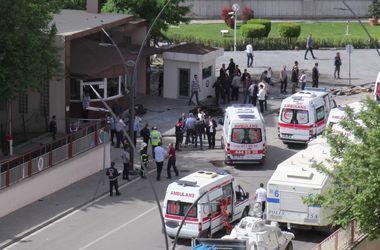В Стамбуле взорвался заминированный автомобиль