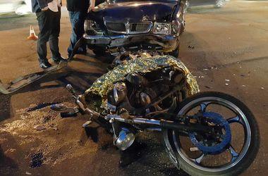 В Киеве на Телиги произошло мото-ДТП