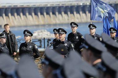 Аттестация: тех, кого не возьмут в полицию, зовут в охрану, ВСУ и за решетку