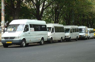 Чего хотят жители Днепропетровска: закрыть сбор лома и пустить ночные маршрутки