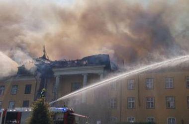В Австрии из-за окурка сгорел старинный замок