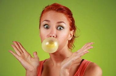 Как жевательная резинка влияет на здоровье