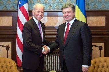 Порошенко и Байден договорились о гарантиях на миллиард долларов