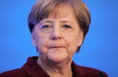 Оскорбление Меркель: В приемную канцлера ФРГ подбросили голову свиньи