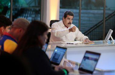 Президент Венесуэлы пригрозил захватить бастующие заводы