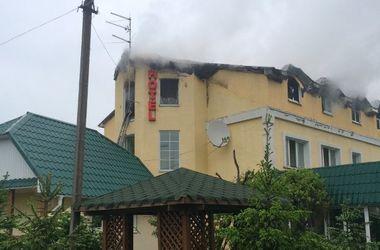 В Киевской области горел гостиничный комплекс (фото)