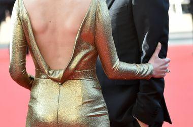 40-летняя актриса в золотом платье произвела фурор на Каннском фестивале