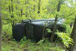 <p>Машина перевернулась в лесу</p>