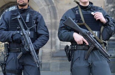 <p>Латвийских полицейских перевооружат. Фото:spiegel.de</p>