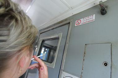 Глава Мининфраструктуры: Вакуумных туалетов в поездах у нас единицы, остальное – дырка на колею