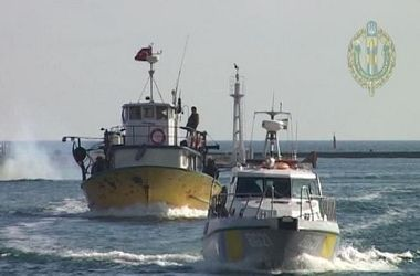 Украина отобрала корабль у турецких браконьеров