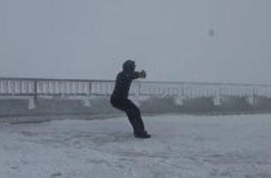 Сильнейший ветер чуть не унес человека с горы Вашингтон