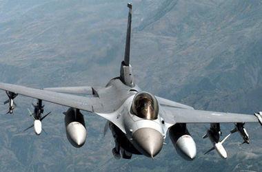 Истребители КНР перехватили самолет США чуть не столкнувшись с ним