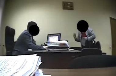"""Ректор """"погорел"""" на взятке в 10 тыс. долларов заместителю министра"""