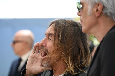 69-летний рок-музыкант шокировал Канны своими нецензурными выходками
