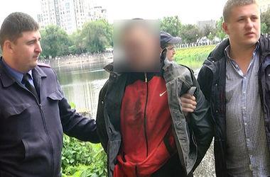 Резня в Харькове: заезжий гость на улице порезал местного жителя и полицейского