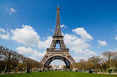 На Эйфелевой башне впервые поселят туристов