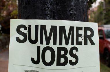Сезонные труды: эксперты рассказали, где и сколько можно подзаработать этим летом