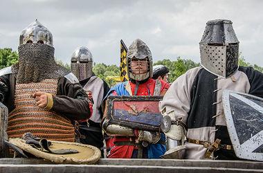 Ко Дню города под Киевом пройдут массовые бои на мечах