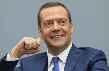 Реакция соцсетей на ответ Медведева жителям оккупированного Крыма о нищете