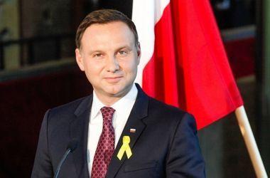 Россия серьезно наращивает военную мощь - президент Польши