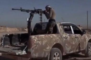 Курдские ополченцы показали первые кадры из окрестностей Ракки