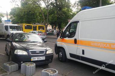 В центре Одессы водитель умер за рулем во время движения