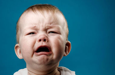 Детский плач разрушает мозг родителей