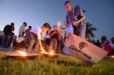 В Средиземном море засекли сигнал передатчика с потерпевшего крушение самолета EgyptAir