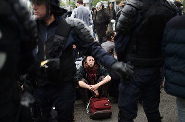 В Париже протесты против либерализации трудового законодательства переросли в беспорядки