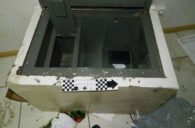 В Киеве разбойники избили грузчика и украли из сейфа 100 тысяч