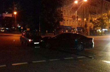 В центре Киева Honda протаранила ВАЗ