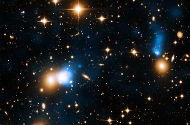 """Ученые нашли необычную звезду-""""планетоеда"""""""