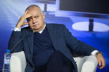 Соцсети высмеяли пальцы Киселева