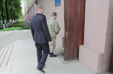 В Киеве парень выпрыгнул из окна 3-го этажа военкомата