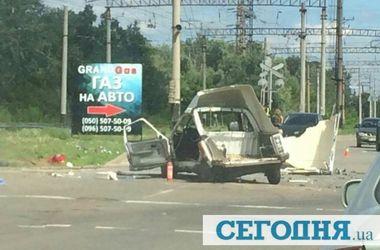 В Киеве лоб в лоб столкнулись легковушки, есть пострадавшие