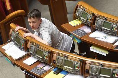 """Савченко """"затормозила"""" закон о судебной реформе"""