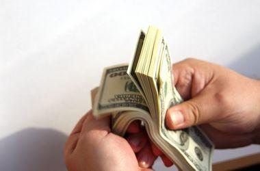 Курс доллара в Украине падает к 25 грн